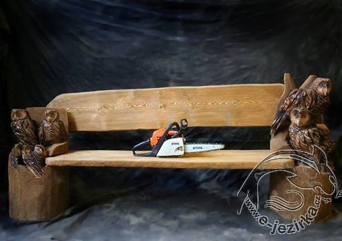 Lavice - dřevořezba