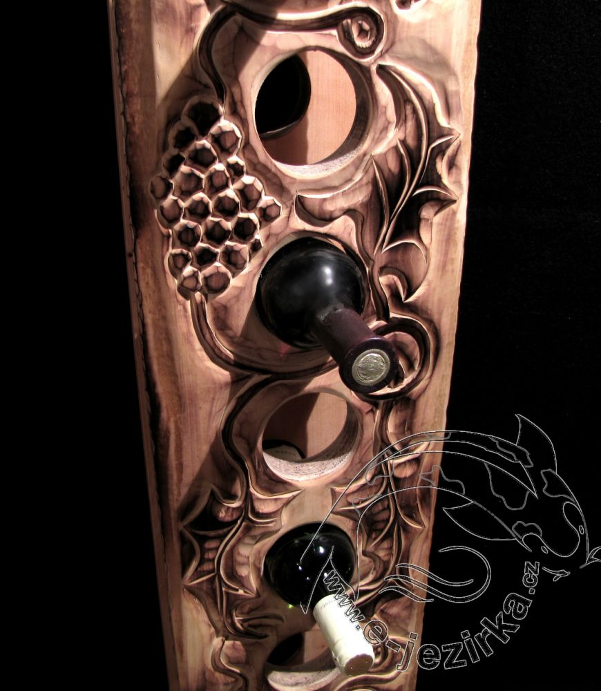 Stojan na víno - dřevořezba